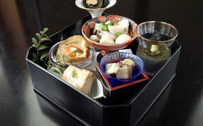 郷土料理6種盛合せの写真